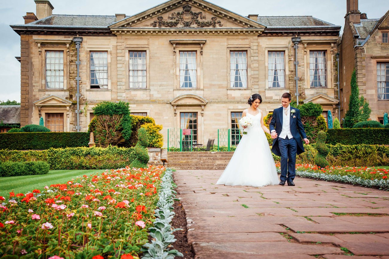 Jenny-and-Matt-at-Coombe-Abbey