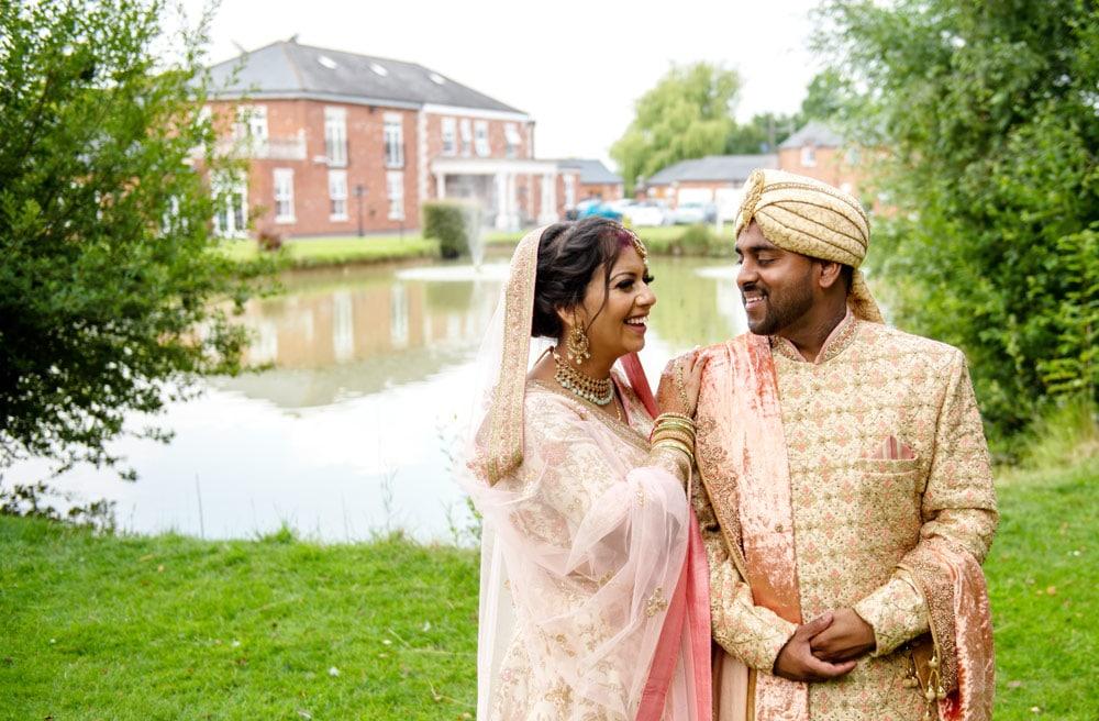Hindu-Wedding-Photography-at-Lakeside-Suite